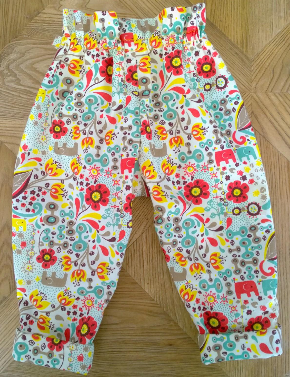8c168c7cf65af Tuto DIY  Le petit pantalon carotte 6-12 mois – Une année de couture
