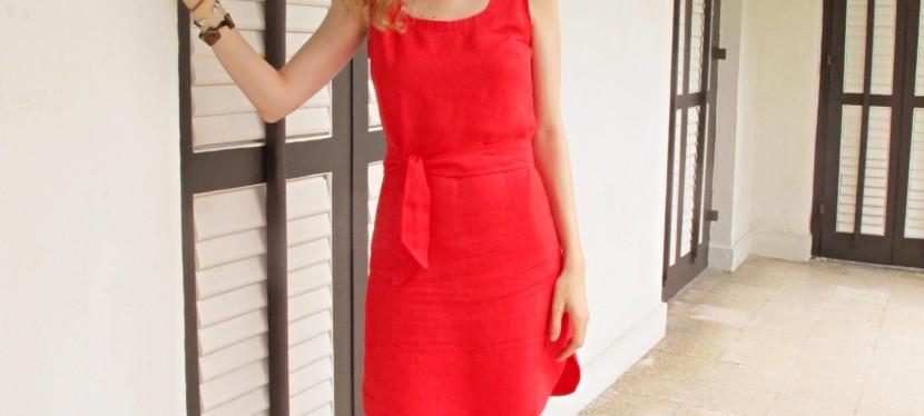la petite robe rouge une ann e de couture. Black Bedroom Furniture Sets. Home Design Ideas